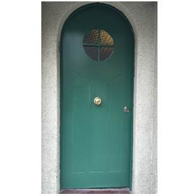puerta blindada pintada verde