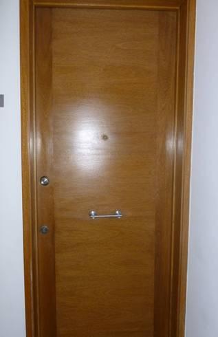 puerta de seguridad antigua