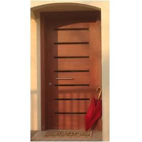 puerta con ventanillas
