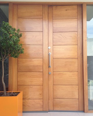 Puerta de acero blindada doble hoja con madera