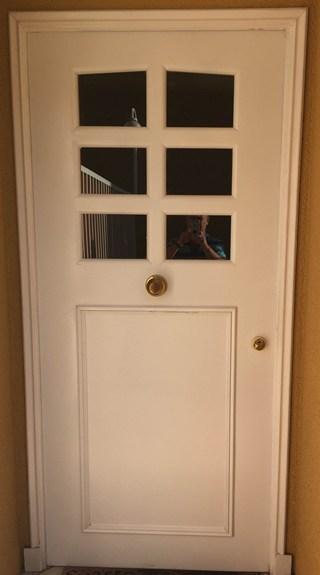 Puerta trasera acorazada para cocina